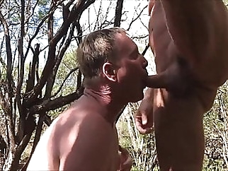Public Cruising outdoors bareback (gay) blowjob (gay) masturbation (gay)