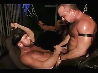 Bears, Pigs, Leather, Sling, Bareback man (gay) gay porn (gay) bareback (gay)