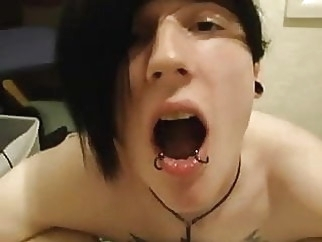 Gay Emo loves to swallow sperm 0:59 2013-05-17