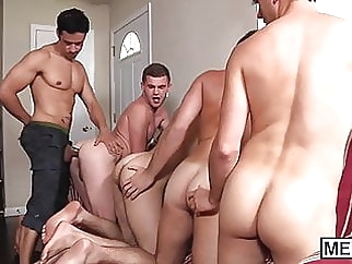 Hottie Rafael Alencar rewards four twinks with his big dick 6:00 2016-07-08