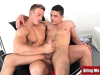 Amateur jock enjoys an oiled massage and a skillful handjob gays (gay) hd gays (gay) handjob (gay)