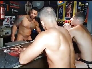 Bar Room Brawl - Viktor Rom, Angel Frontera & Bastian Karim 15:28 2021-01-06